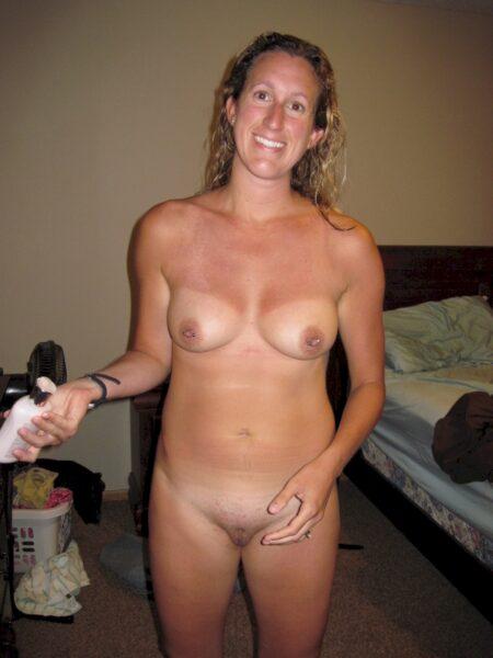 Femme cougar sexy dominatrice pour homme qui aime la soumission
