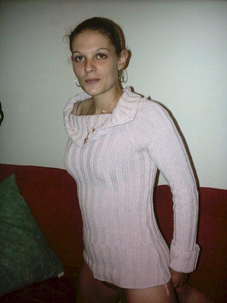 Femme infidèle dominante pour coquin obéissant