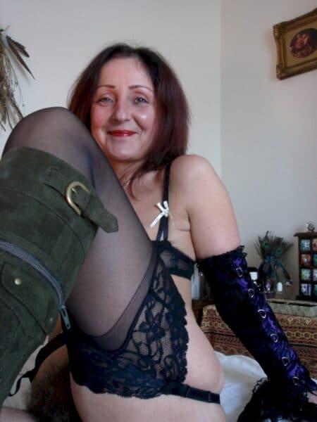 Une femme adultère pour de la rencontre réelle